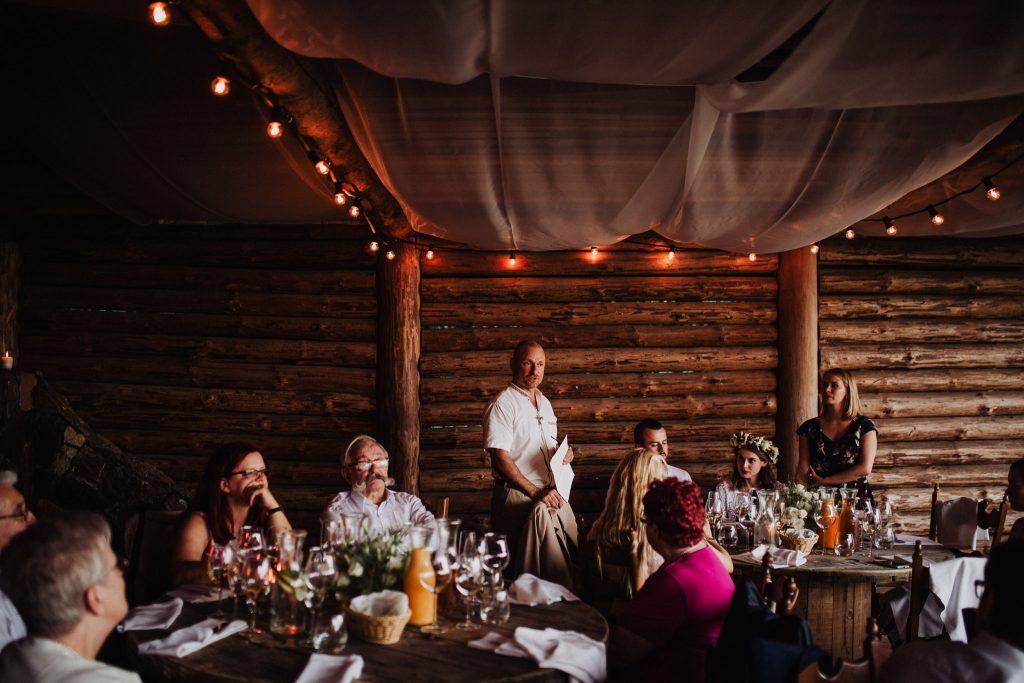 Okrągły stół weselny