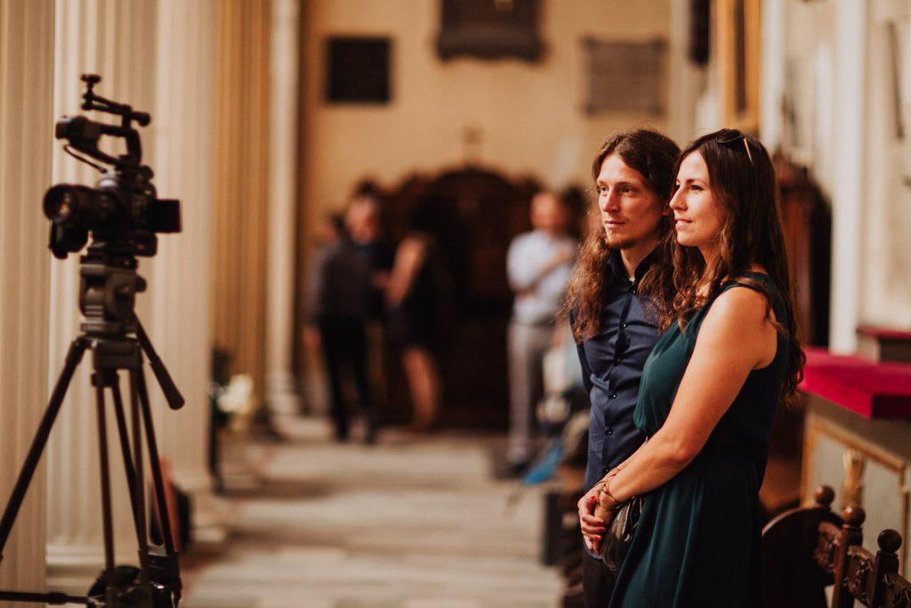 Aparat na ślubie kościelnym